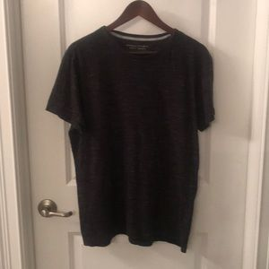 Banana Republic Men's soft wash t-shirt. Size L